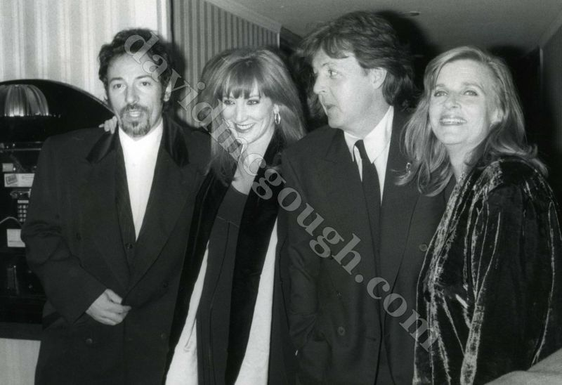 Patti scialfa pictures news information from the web for Who has bruce springsteen been married to